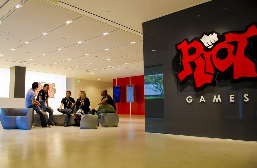 Photo of Riot Games Gets HACKED
