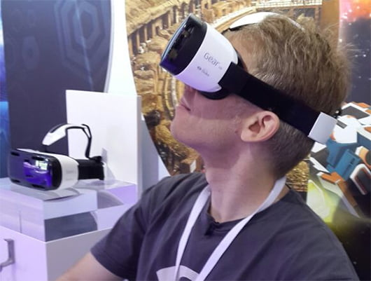 John Carmack sporting the latest Gear VR Innovator Edition at Samsung Unpack.