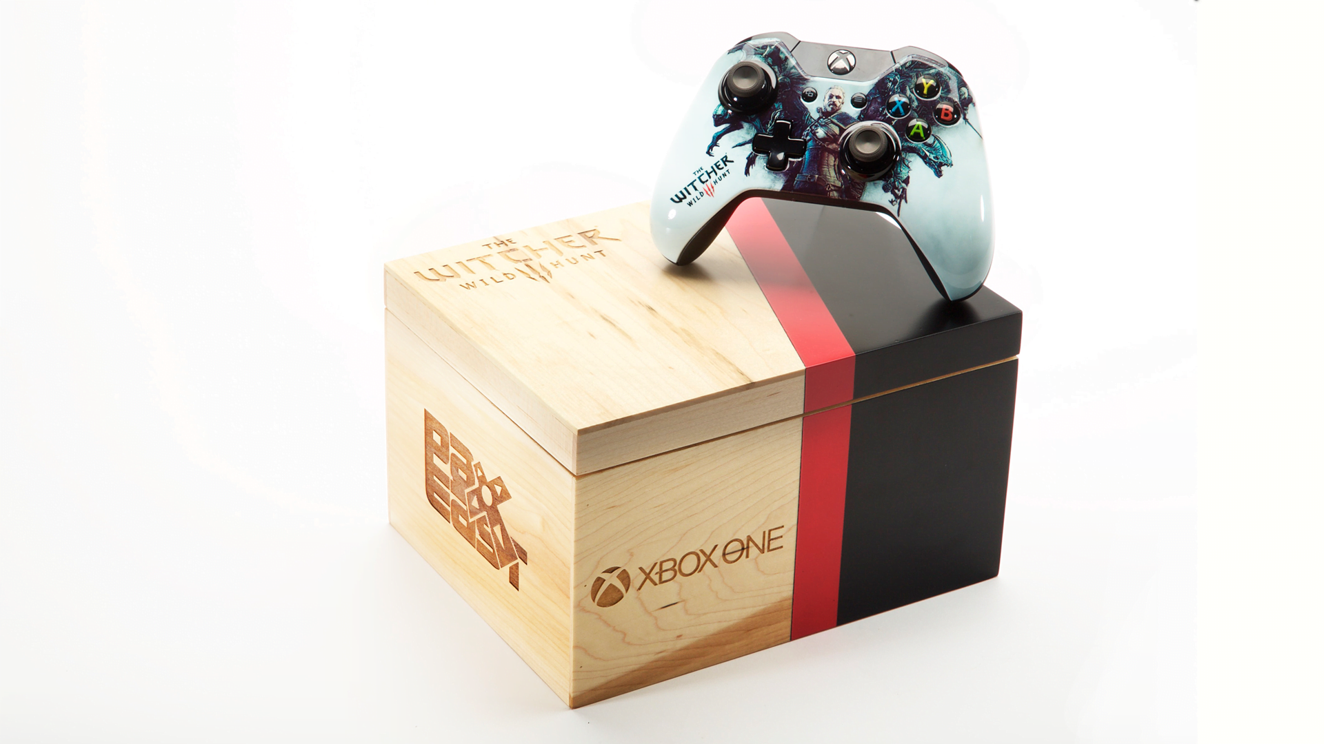 Photo of Microsoft Reveals Custom Xbox One Controllers At PAX EAST
